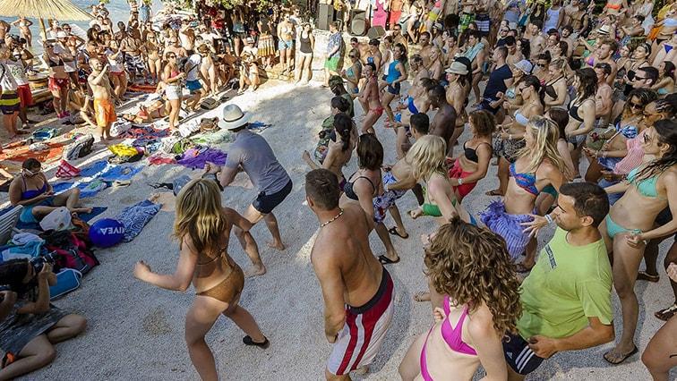 Beach-dance