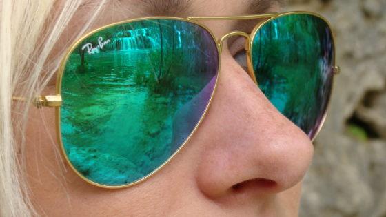Okulary załogantki majówkowego rejsu w Chorwacji