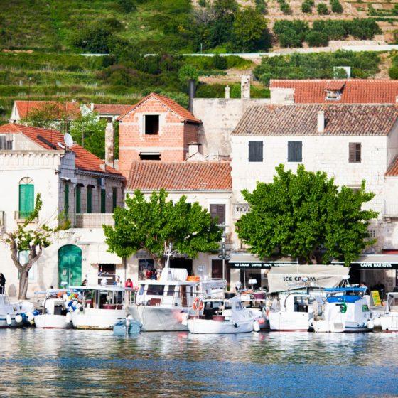 Marina jachtowa podczas majówkowego rejsu w Chorwacji