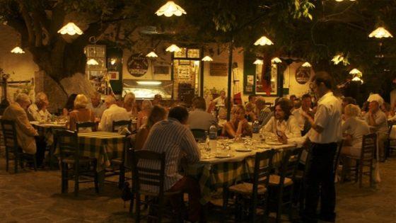Kolacja w greckiej tawernie