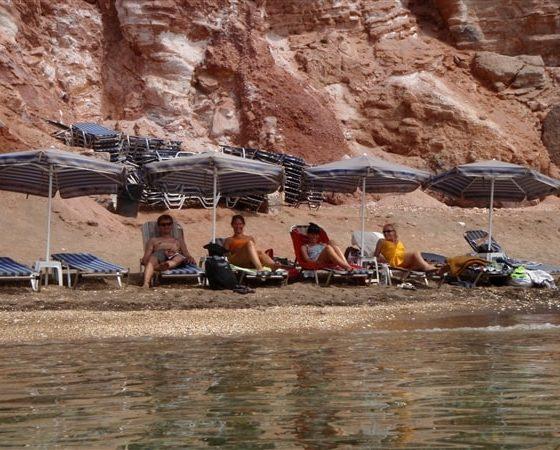 Plażowanie uczestników rejsu po Grecji