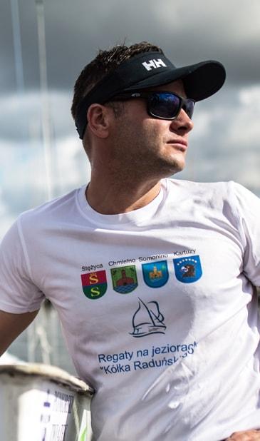 Maciej Chatłas skipper na resach morskich