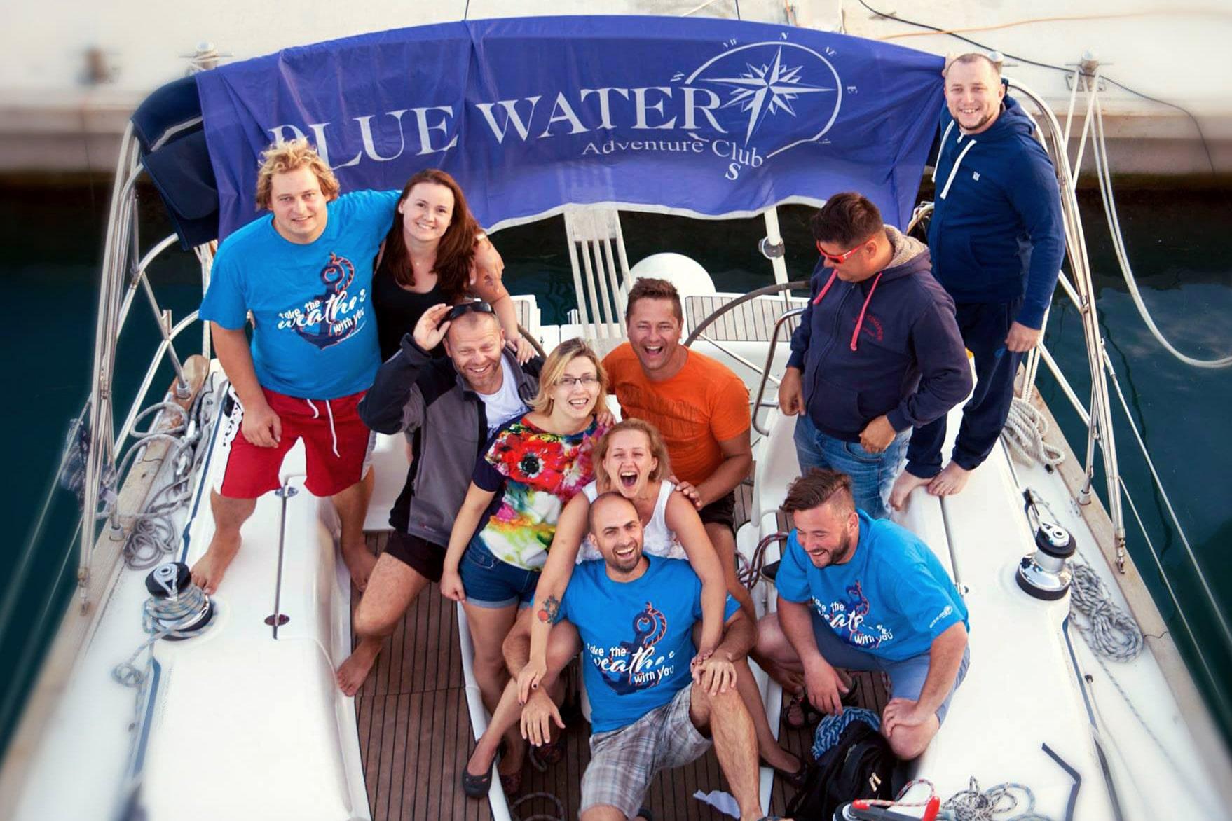Ekipa podczas rejsu morskiego z Blue Water Club